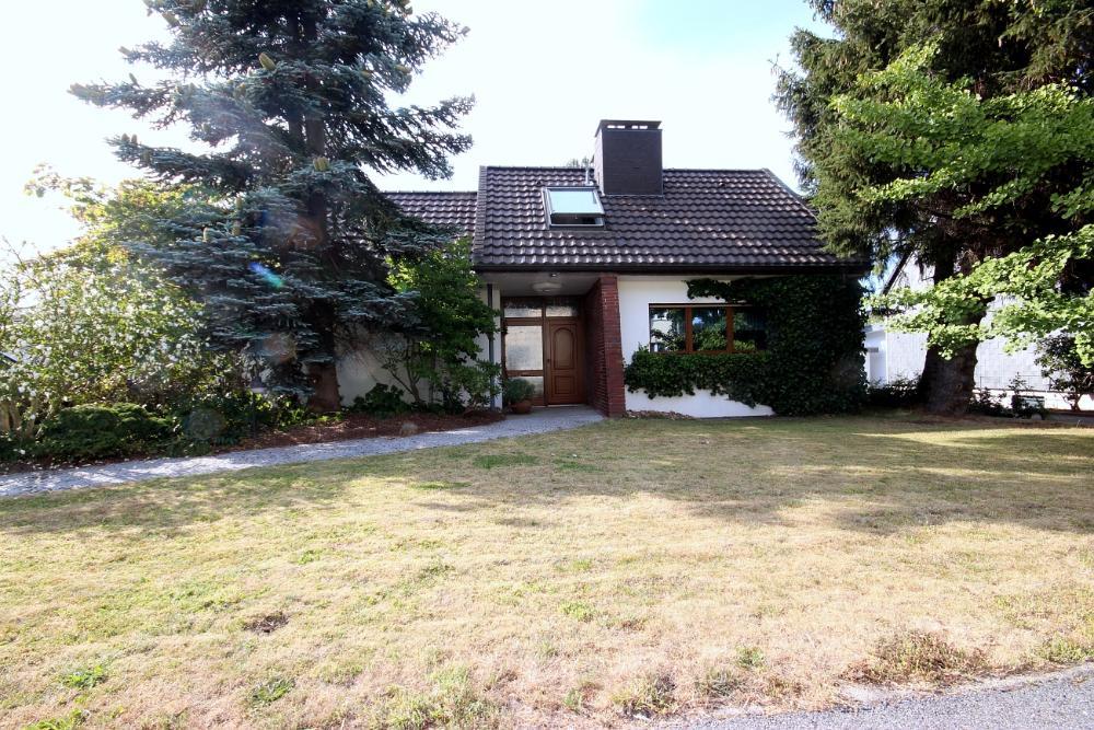 Einfamilienhaus mit viel Potenzial in Hattingen Niederwenigern, 45529 Hattingen, Haus